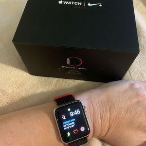 Apple 🍎 Watch 3️⃣ w/ Nike 42m w/GPS